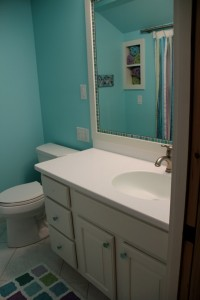 Foster-2nd-floor-kids-bath-main
