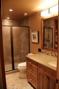 Foster-2nd-floor-guest-bath-main